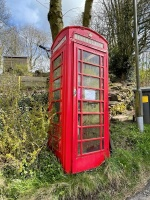 Red telephone box in Bagshaw